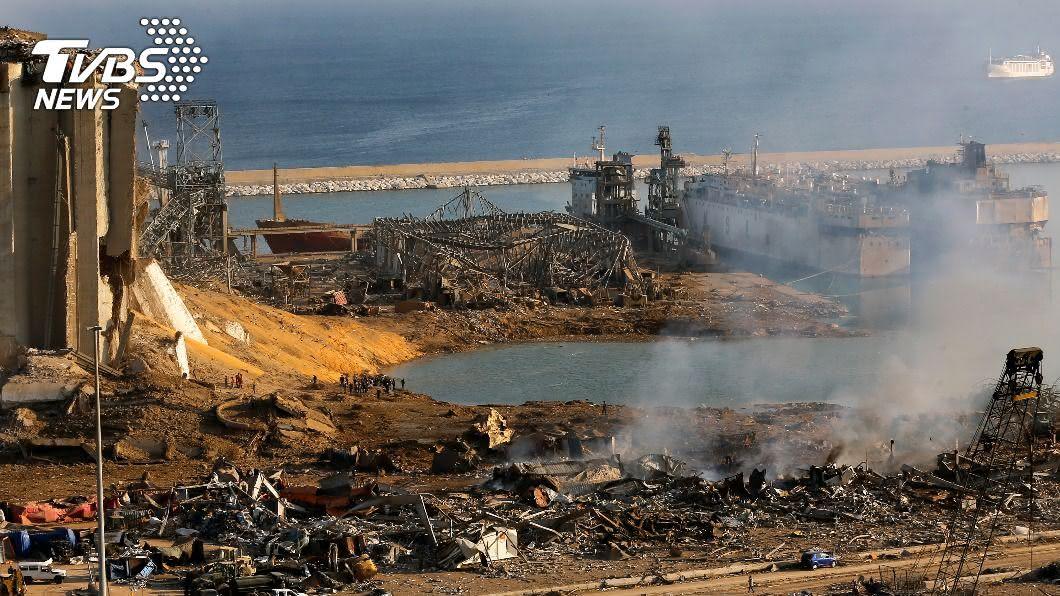 黎巴嫩貝魯特爆炸已造成逾百人喪命。(圖/達志影像美聯社) 貝魯特炸出「隕石坑」! 民眾憶逃生驚恐:宛如災難電影