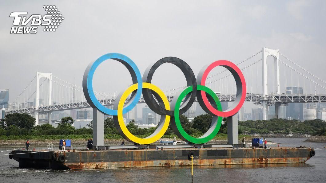 (圖/達志影像美聯社) 東奧延期一年 奧運五環標誌暫消失東京台場