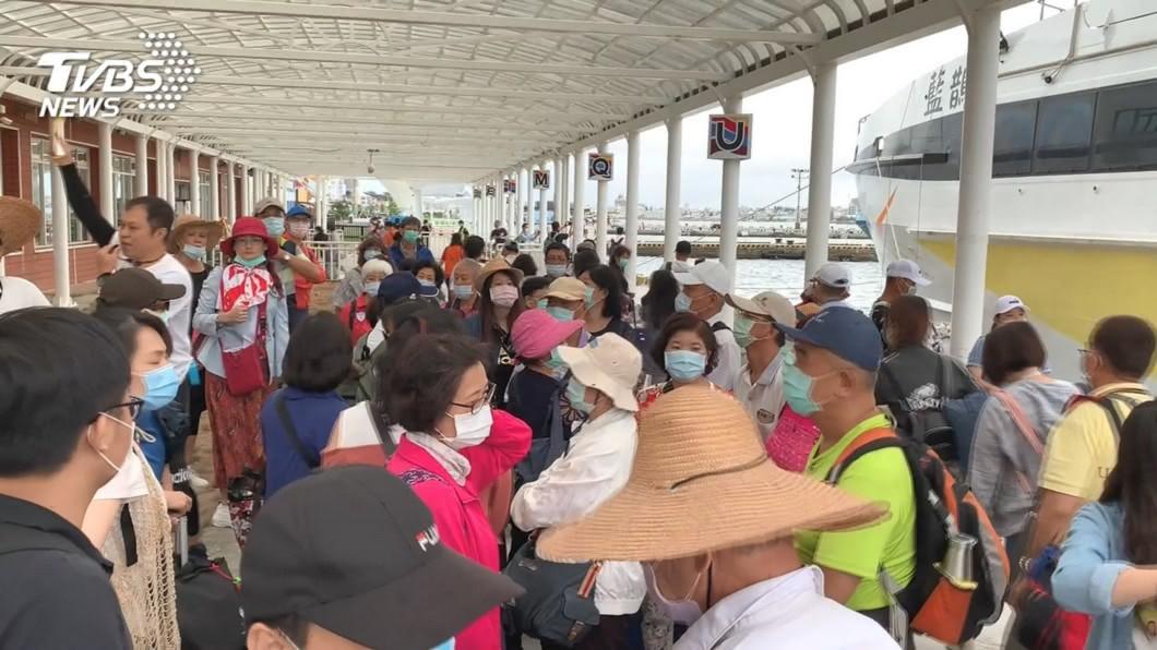 適逢暑假,民眾出遊人潮大爆發。(圖/TVBS資料照) 「國旅補助」經費剩7成!觀光局掛保證:辦到10月底