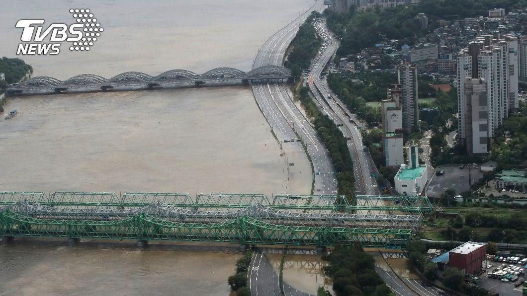 圖/達志影像美聯社 水位暴漲! 南韓水庫三艇翻覆一死六失蹤