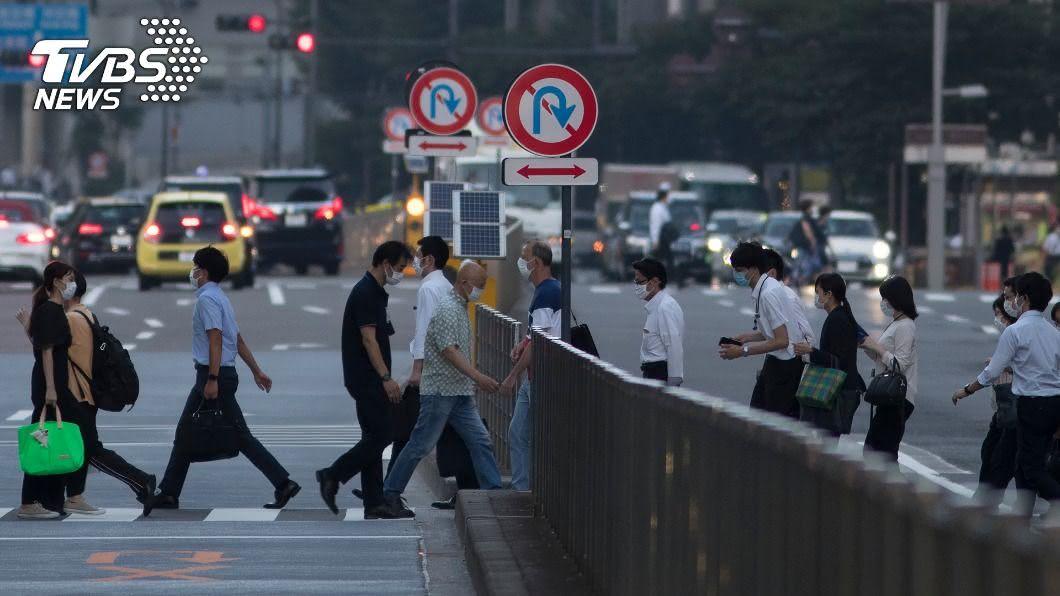 日本東京今天新增462例武漢肺炎確診。(圖/達志影像美聯社) 東京增462例將設武漢肺炎醫院 沖繩增百例創新高