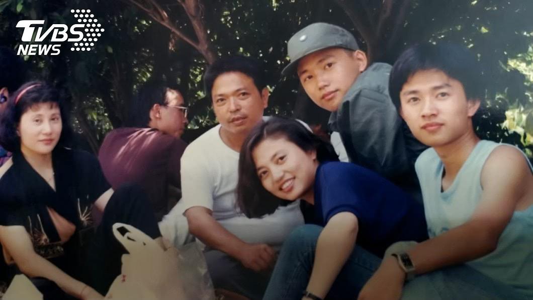 江坤俊服役期間與家人同聚。(圖/TVBS) 父親霸氣一句話成就他 暖心名醫:希望我沒有讓你丟臉!