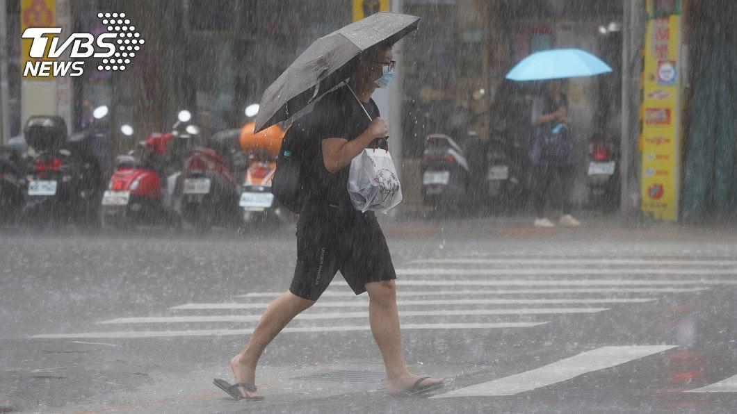 (圖/中央社) 午後對流旺盛  西半部13縣市防大雨