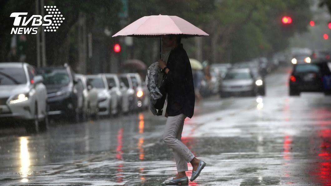 颱風薔蜜引低壓帶北上 中南部明起注意雨勢