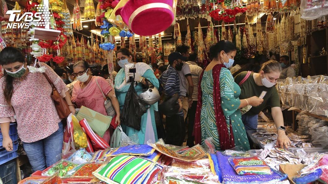 研究指印度是世界主要經濟體受疫情影響最嚴重國。(圖/達志影像美聯社) 研究:印度是世界主要經濟體受疫情影響最嚴重國