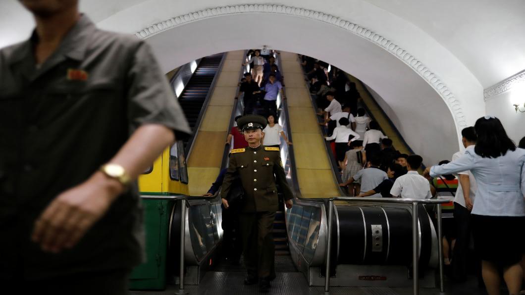 圖/達志影像路透 地鐵站華麗如地宮 平壤.突然改頭換面