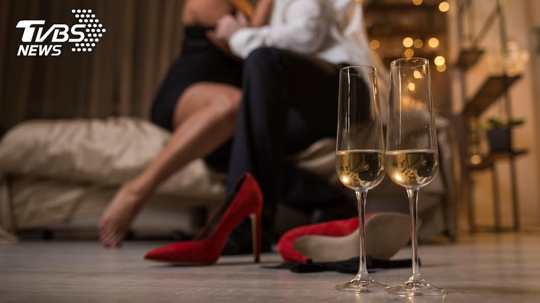 一對結婚7年的夫妻因為「1個原因」,遲遲沒有親密關係。(示意圖/shutterstock 達志影像) 夫妻結婚7年沒恩愛過 醫聽原因傻眼:怎麼忍得住?