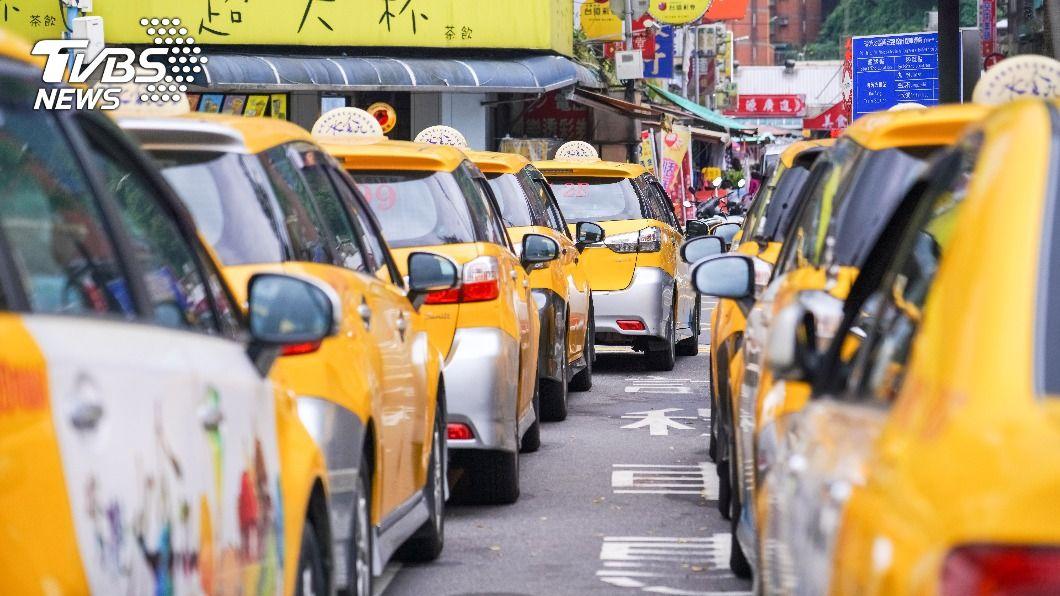 七夕當天叫車需求量明顯增加。(示意圖/shutterstock 達志影像) 分析乘客叫車行為 七夕下車點旅館、飯店是平日3倍