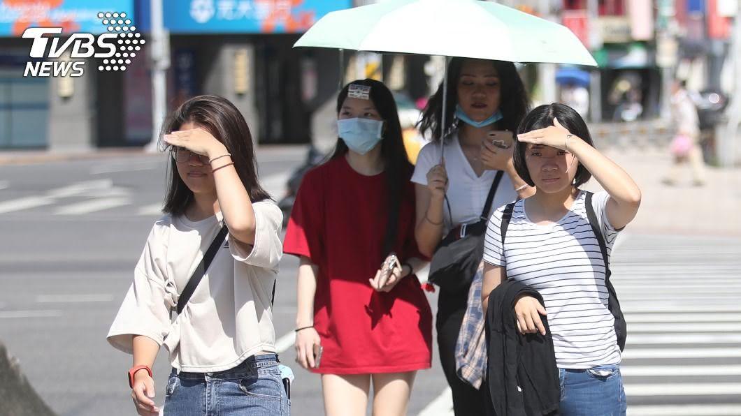 (圖/中央社) 注意防曬!全台多雲到晴 大台北盆地高溫上看36度