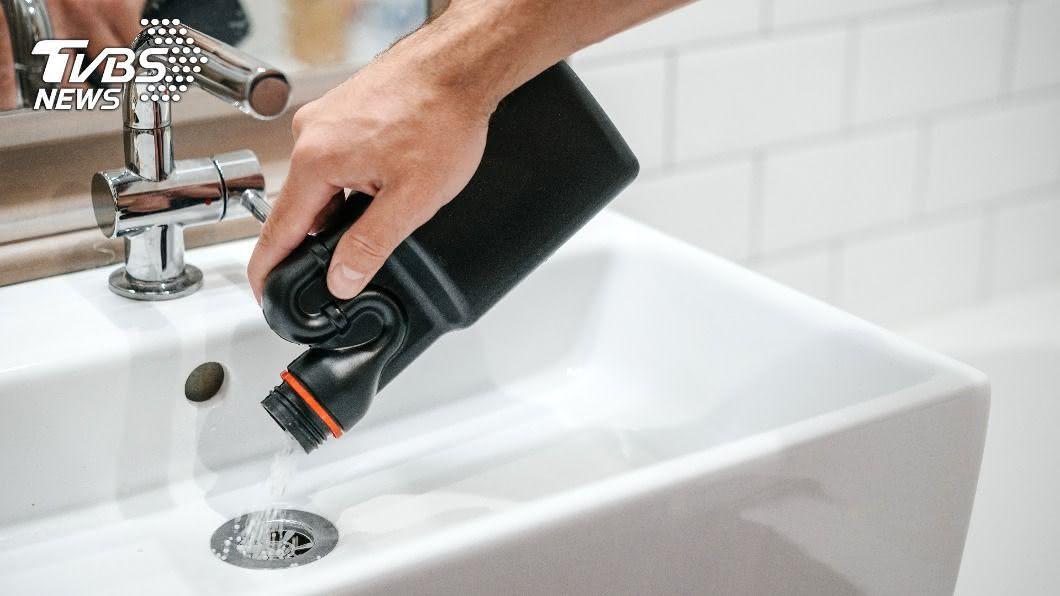 通水管的清潔劑其實暗藏破壞健康的因子。(示意圖/shutterstock達志影像) 清潔劑致癌? 醫生娘自製「無毒通通樂」必學