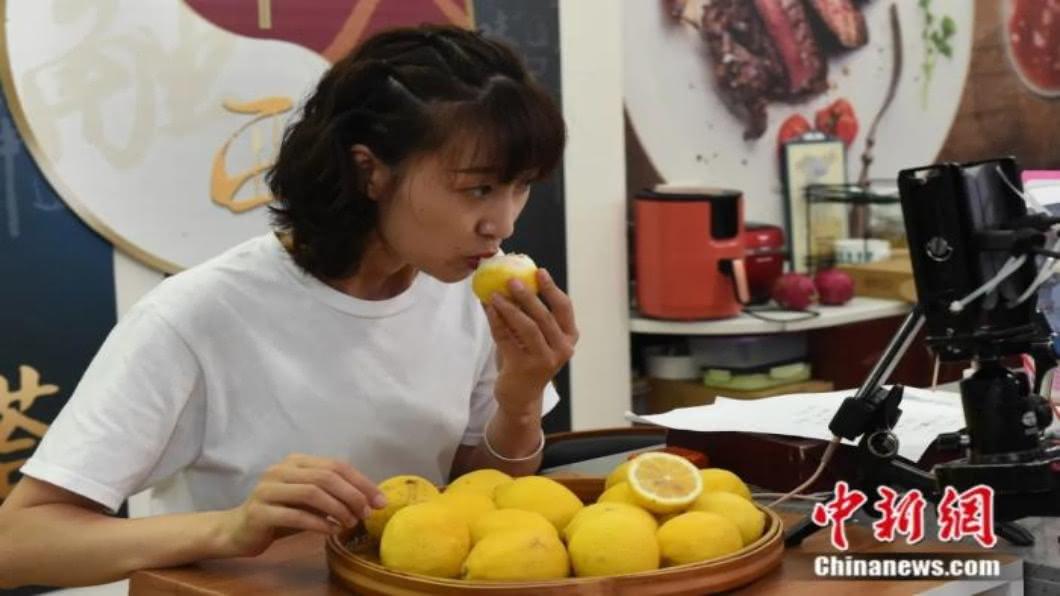圖/翻攝自 中新網 習近平指示杜絕食物浪費「吃播」挨轟遭禁