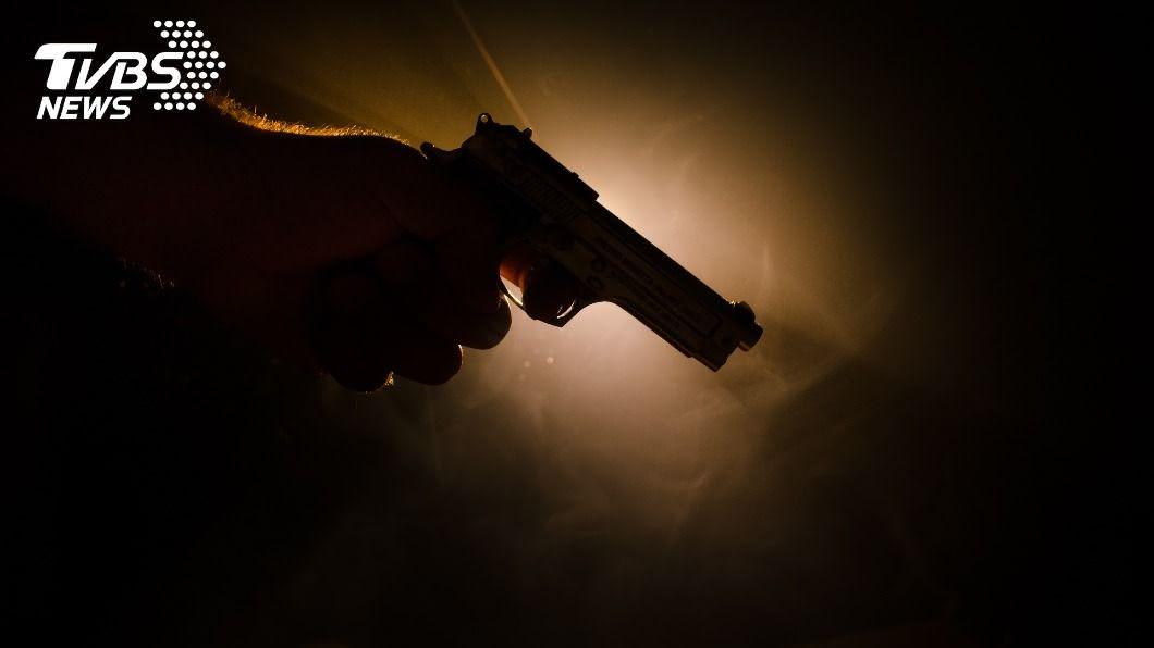 (示意圖/shutterstock 達志影像) 10歲女童在家視訊上課 目睹母親遭槍殺身亡