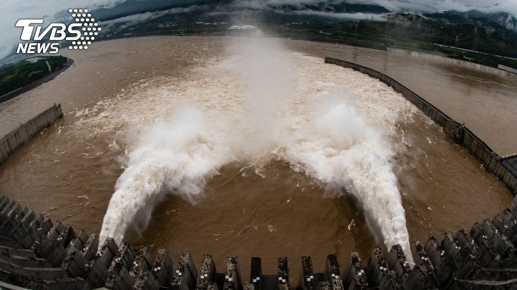 (圖/達志影像路透社) 大陸長江第4號洪水形成 重慶啟動2級應急回應