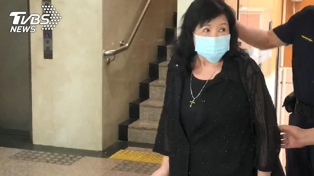 圖/TVBS 「爸叫我要討厭台獨!」潑漆李登輝肖像 鄭惠中稱不後悔