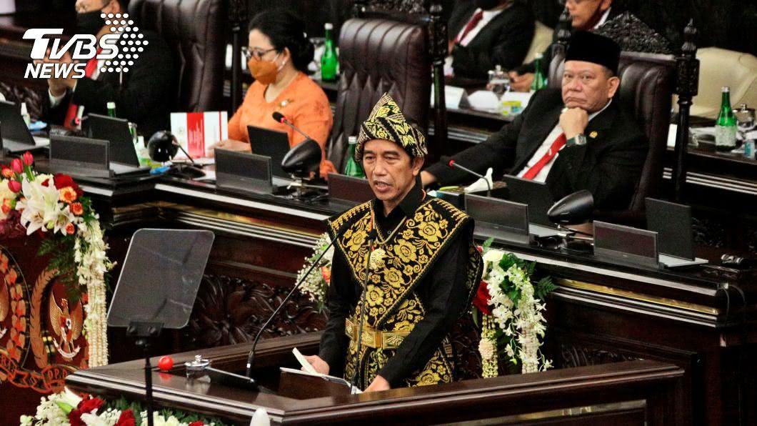 印尼總統佐科威。(圖/達志影像美聯社) 印尼建國75年 佐科威期許25年後邁入已開發國家