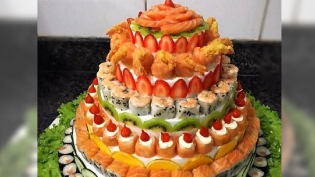 示意圖/翻攝自七色的偽物人形微博 鮮奶油當醋飯 日本秋葉原出現「壽司蛋糕」