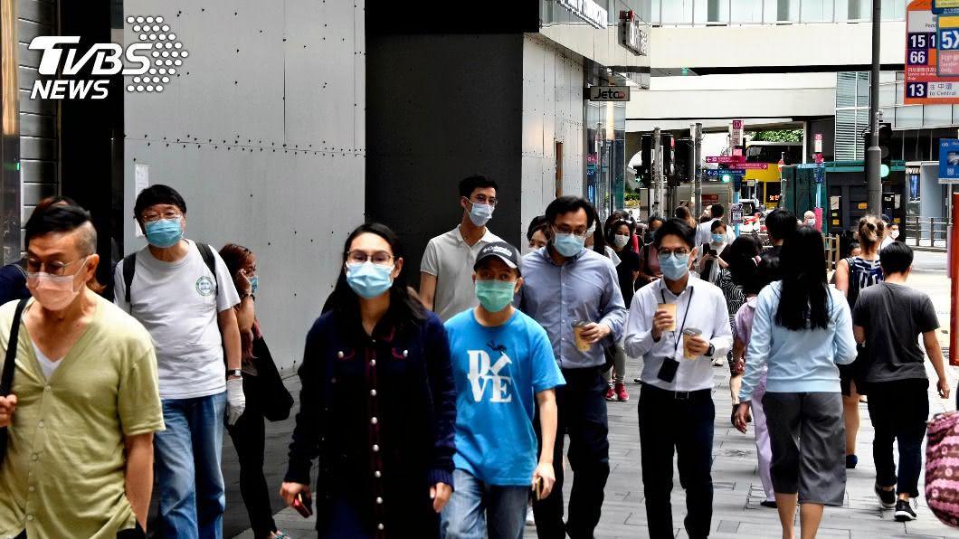 圖/達志影像美聯社 民眾不聽話到處趴趴走 港韓新增病例又激增