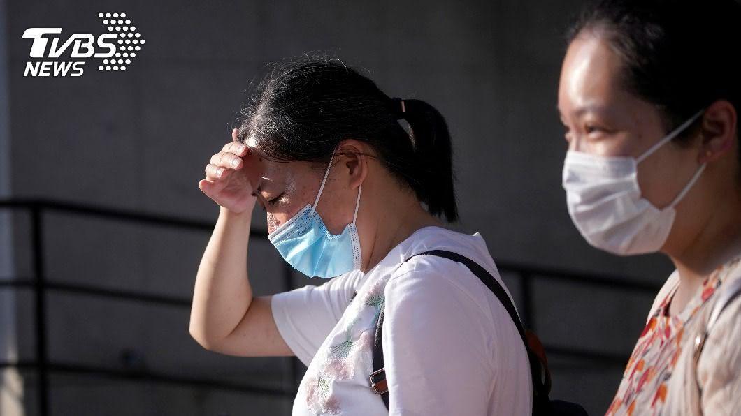中國16日確診全為境外移入。(圖/達志影像路透社) 疫情趨緩有望?大陸16日零新增本土確診案例