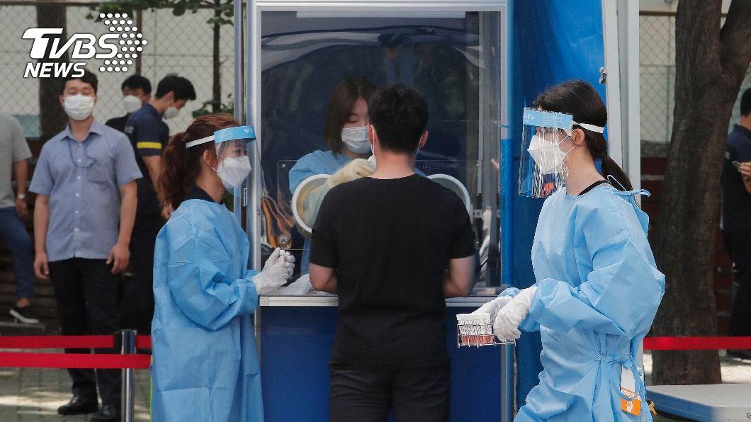 首爾再度因教會引爆疫情。(圖/達志影像美聯社) 確診者從醫院逃出…韓國愛心第一教會再爆高風險疫情
