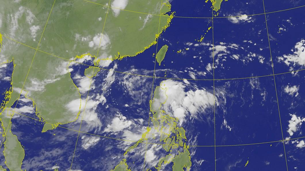 菲律賓東方海面有低氣壓組織中。(圖/中央氣象局) 新颱風醞釀中? 週六起變天「此區」雨轟整天