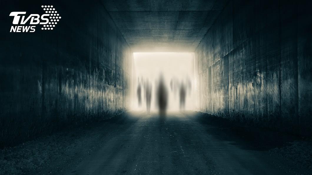 與事件無關。(示意圖/shutterstock達志影像) 廢棄村遇慘案3年後再睹屍 男星揭「驚悚死狀」:抓交替