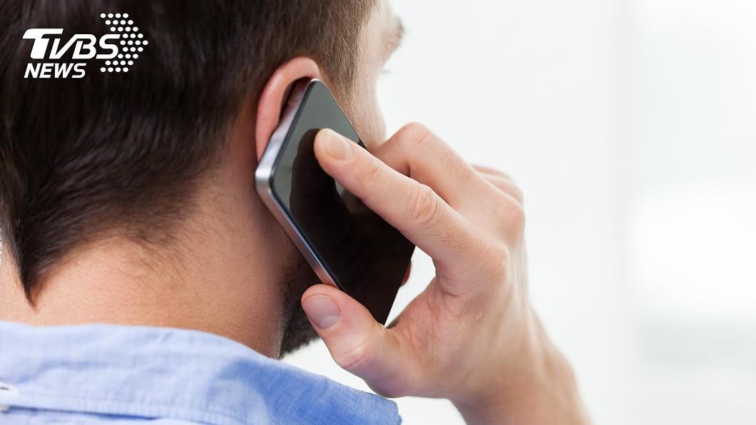 許多人都接過推銷保險電話!(示意圖/shutterstock達志影像) 學生沒錢買保險!業務員吐「1句話」惹怒眾人:聽到就火