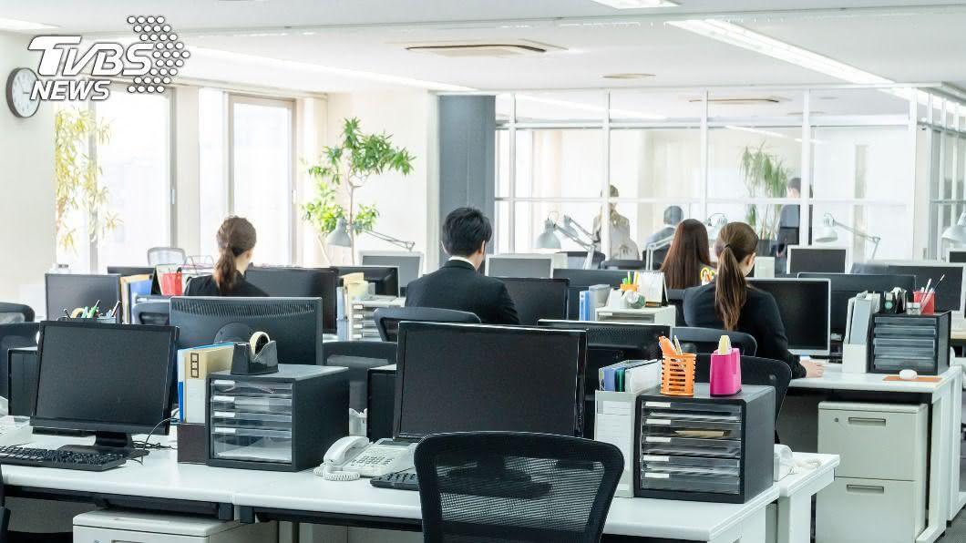 (示意圖/shutterstock達志影像) 菜鳥「6倍效率」打趴同事!老闆1句話秒開除