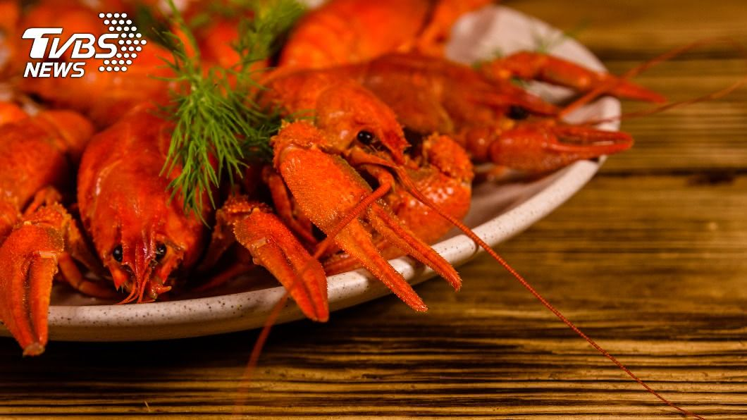 (示意圖/shutterstock達志影像) 澎湖吃海鮮4菜8320元!內行搖頭揭「爆貴原因」