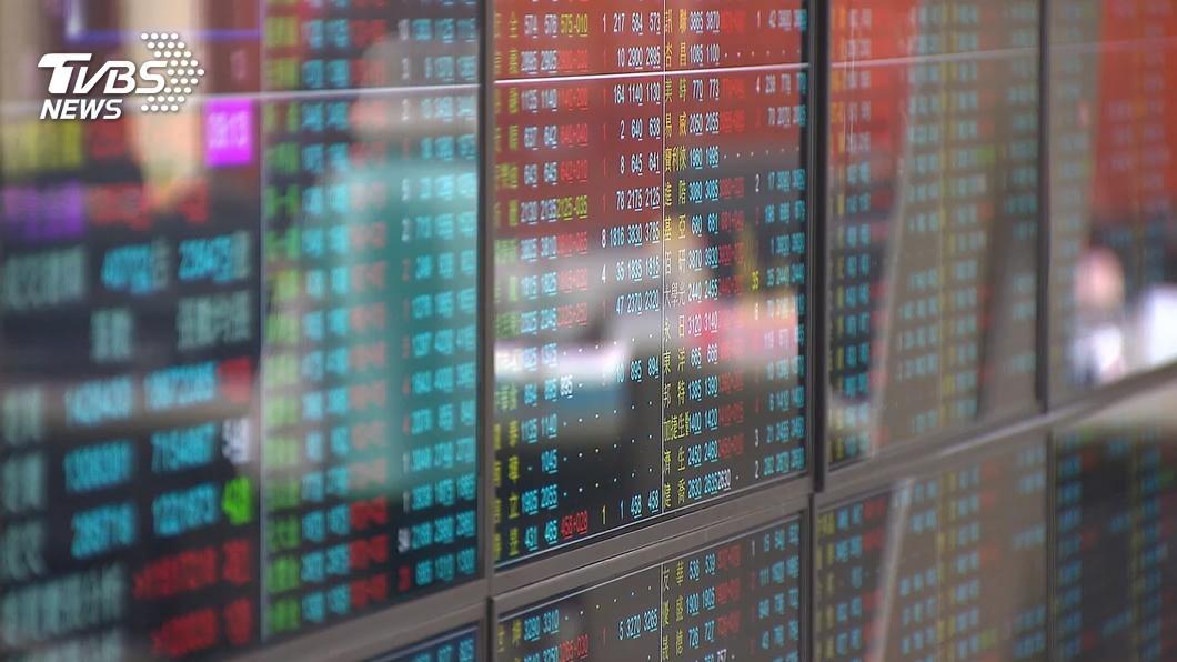 台股量能大增前8個月證交稅達932億元,創30年新高。(圖/TVBS資料畫面) 台股後市預期樂觀 明年證交稅上調81.2億元