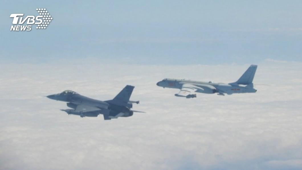 (示意圖/TVBS資料畫面) 不甩國防外交譴責!2共機又擾西南海遭廣播驅離