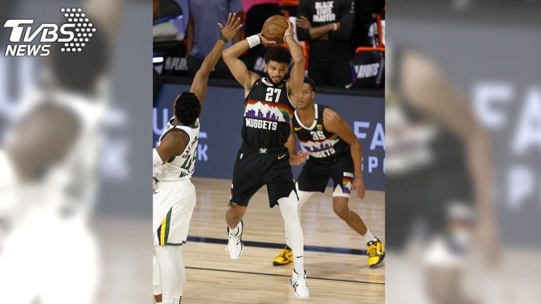 NBA金塊在莫瑞(Jamal Murray)的帶領下,以117比107逆轉擊敗爵士。(圖/達志影像美聯社) 莫瑞42分轟垮爵士 NBA金塊季後賽扳成2比3