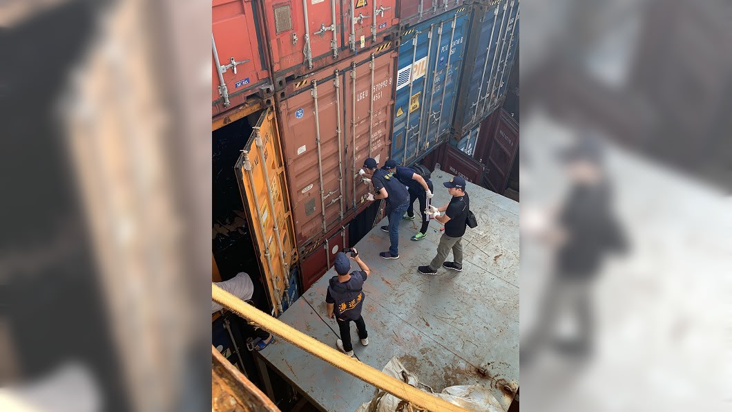 (圖/中央社,翻攝畫面) 海巡查獲台中港史上最大走私菸案 市值超過5億元