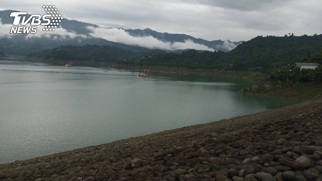 曾文水庫蓄水率跌破4成。(圖/中央社) 曾文水庫蓄水率跌破4成 南市府估110年水情嚴峻