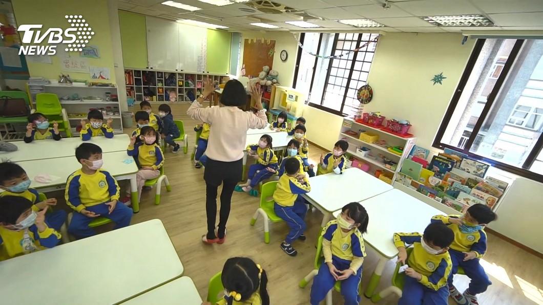 教育部宣布高中以下學校與公立幼兒園延後開學。(示意圖/TVBS資料畫面) 延後開學家長崩潰 教育部臉書被灌爆:誰敢請假?