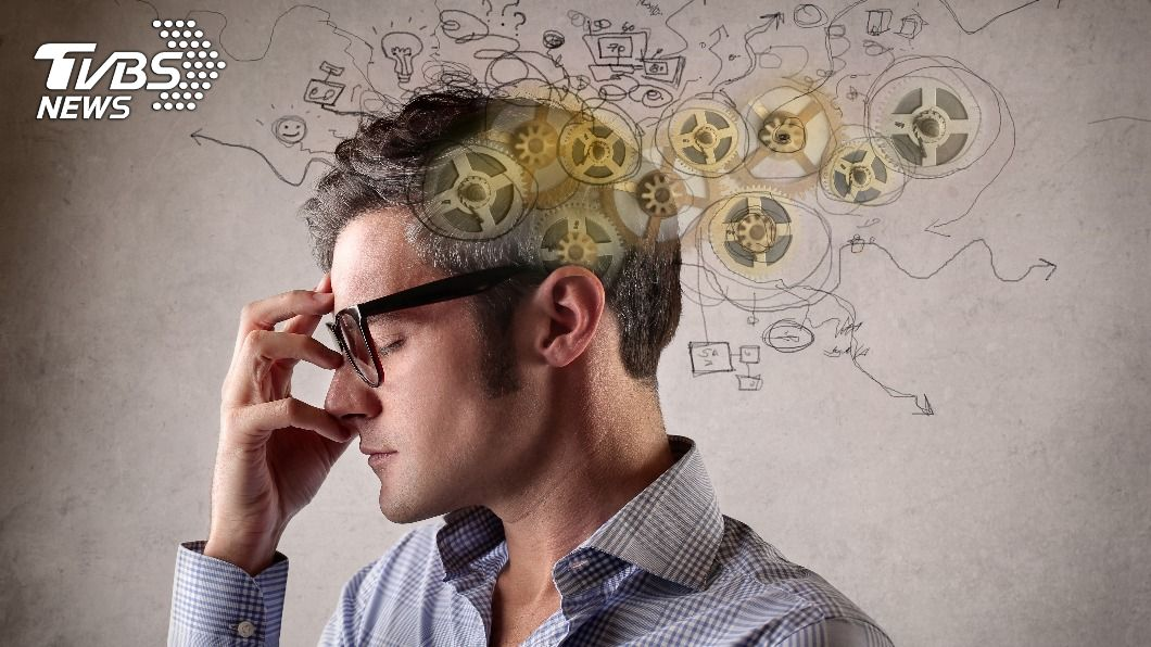 腦袋過度使用會出現大腦疲勞的徵兆。(示意圖/shutterstock 達志影像) 大腦沒休息記憶力減退 5招助「改善」思緒煥然一新