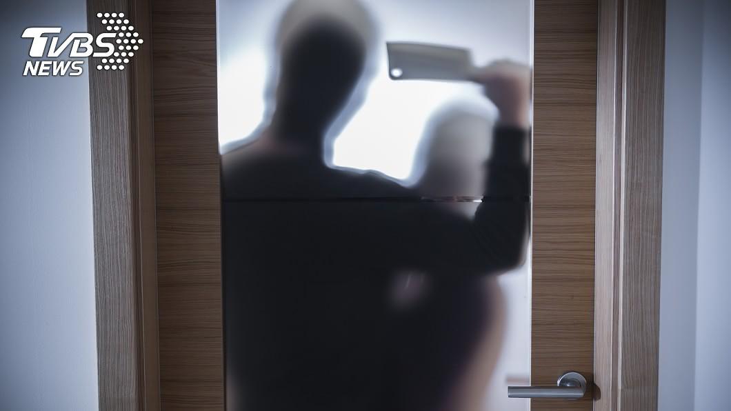 (示意圖/shutterstock達志影像) 一屍兩命!渣男痛毆、性侵孕妻拍片炫耀 檢斥:泯滅人性