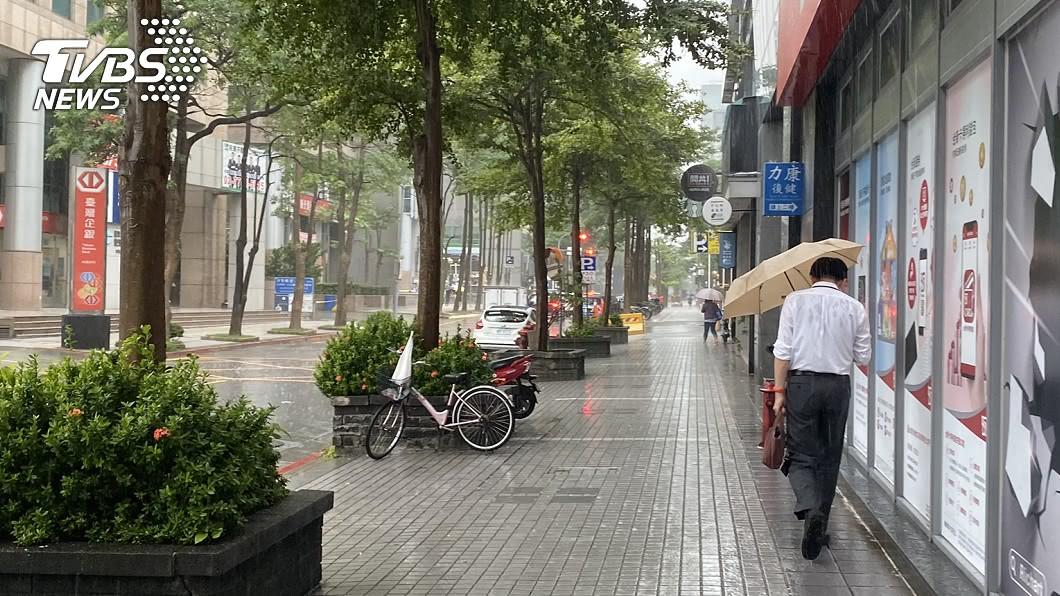 (示意圖/TVBS資料畫面) 「梅莎」最快今生成恐轉中颱 雨連3天炸北台