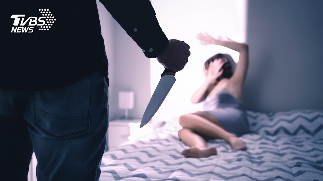 美國一名狠心人夫殺害妻子後將她頭顱剁下,藏在自家地窖內。(示意圖/shutterstock 達志影像) 女遭斬首頭顱藏地窖 狠夫報案謊稱「妻上了陌生人的車」