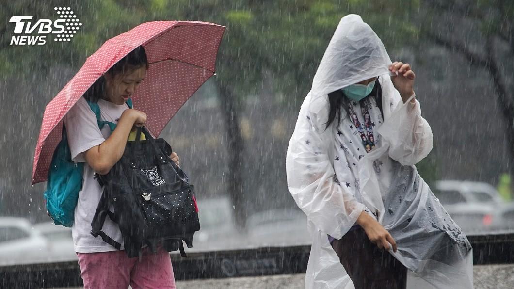 (圖/中央社) 北部雨勢趨緩 午後南部及山區留意局部雷陣雨