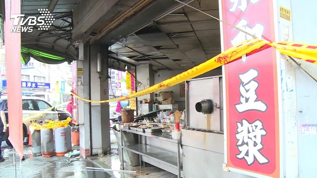 彰化一家豆漿店28日發生大火,造成巫姓店員身亡。(圖/TVBS) 匿名贊助救命!清寒生尋人12年 聞學長成焦屍痛哭