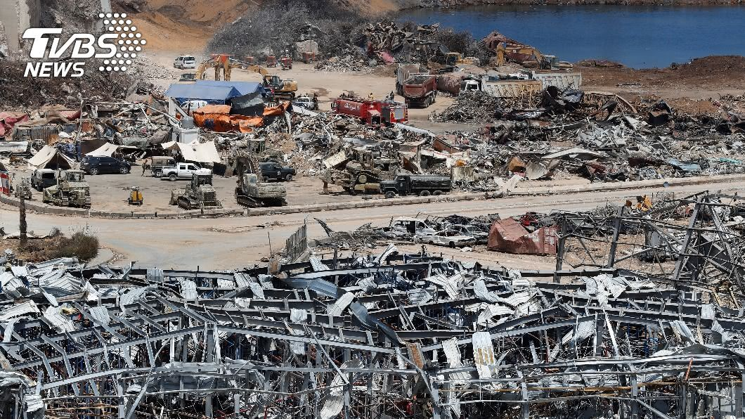 黎巴嫩首都貝魯特港區4日發生硝酸銨化學品嚴重爆炸意外。(圖/達志影像美聯社) 黎巴嫩貝魯特爆炸意外 外交部:台灣捐15萬美元