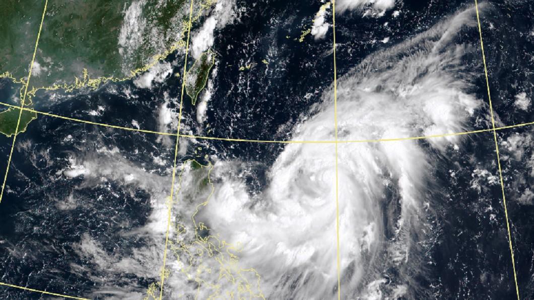 圖/翻攝自中央氣象局 梅莎恐成今年最強颱!明開學日最接近台灣 降雨熱區曝光