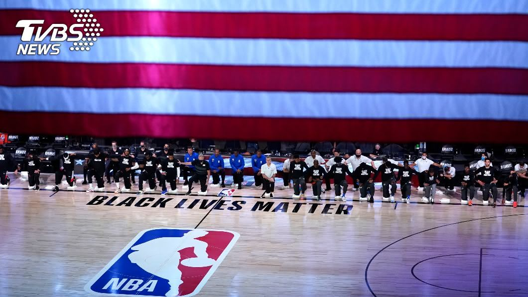 圖/達志影像美聯社 歐巴馬扮「藏鏡人」 NBA罷賽兩天後重開