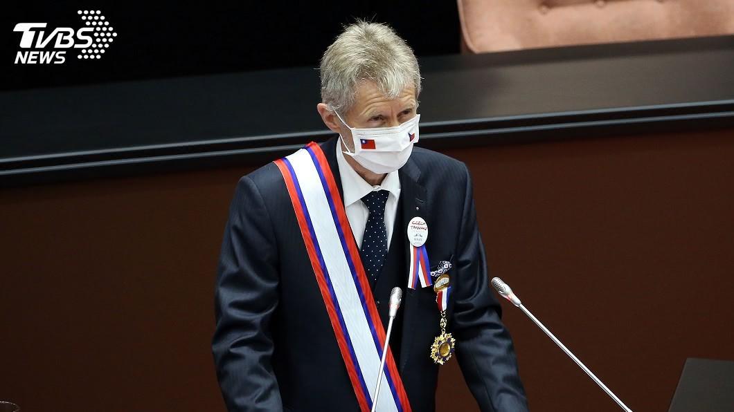 捷克參議院議長維特齊今天在立法院演說。(圖/中央社) 表達對台支持!維特齊立院演講 用中文說「我是台灣人」