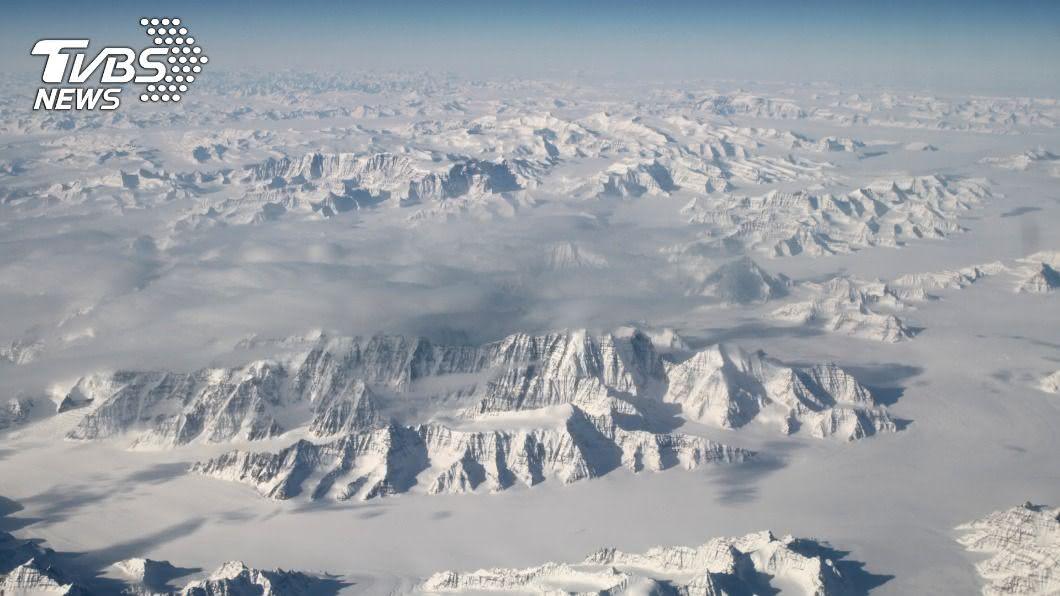格陵蘭和南極冰蓋正在急速融化。(圖/達志影像路透社) 地球冰蓋正急速融化 聯合國:全球恐面臨沿海洪患