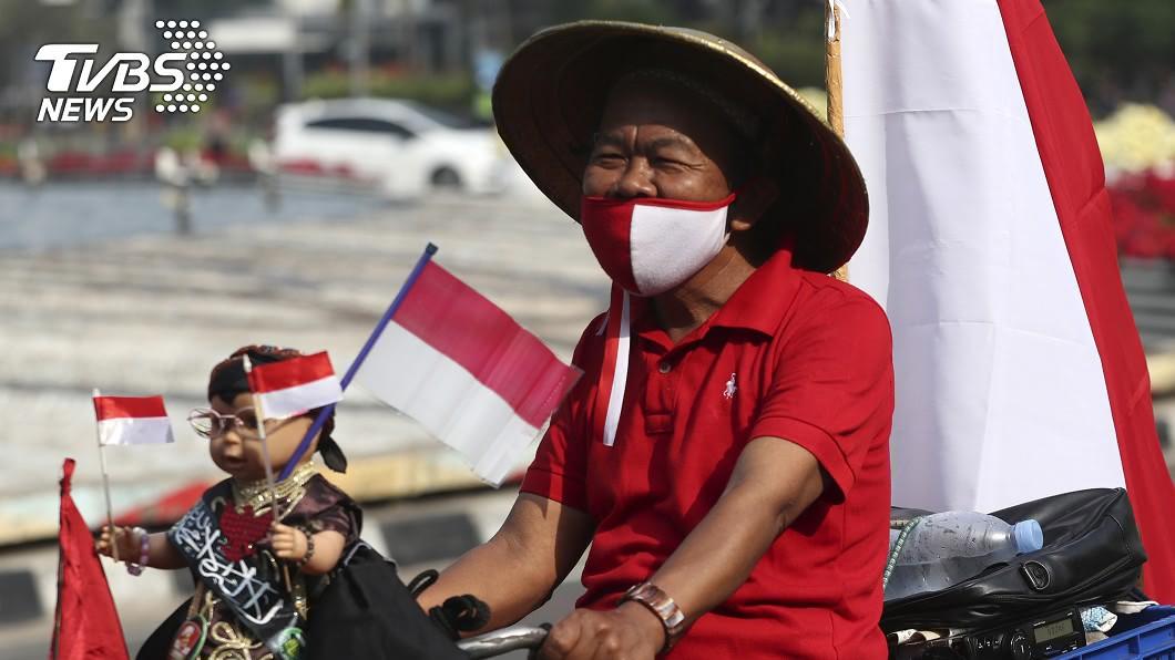 除了進口疫苗,印尼也將推出國產「紅白疫苗」。(圖/達志影像美聯社) 印尼擬2021年初開始 免費施打武漢肺炎疫苗