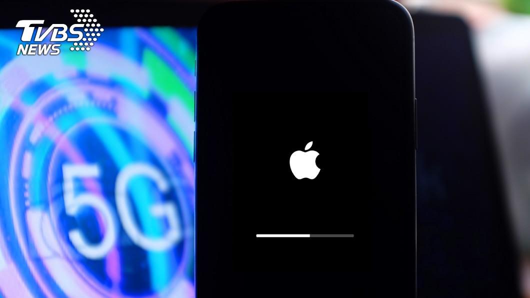 據悉,蘋果公司將推出新一代支援5G通訊的iPhone手機。(示意圖/shutterstock 達志影像) 傳蘋果已要求供應商備貨7500萬支5G iPhone