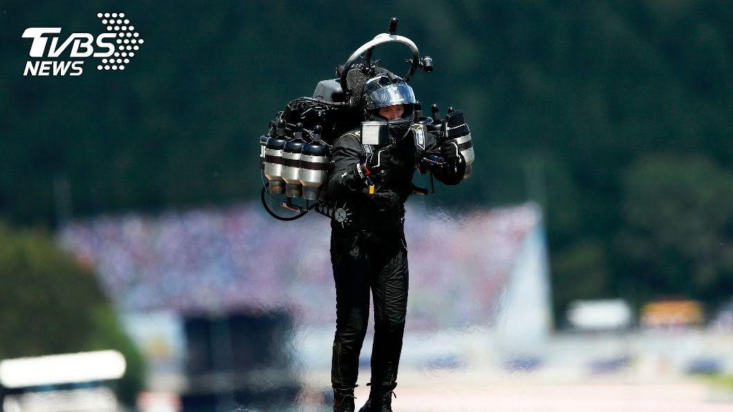 圖/達志影像美聯社資料畫面 鋼鐵人? 洛杉磯上空神秘「噴射飛人」出沒