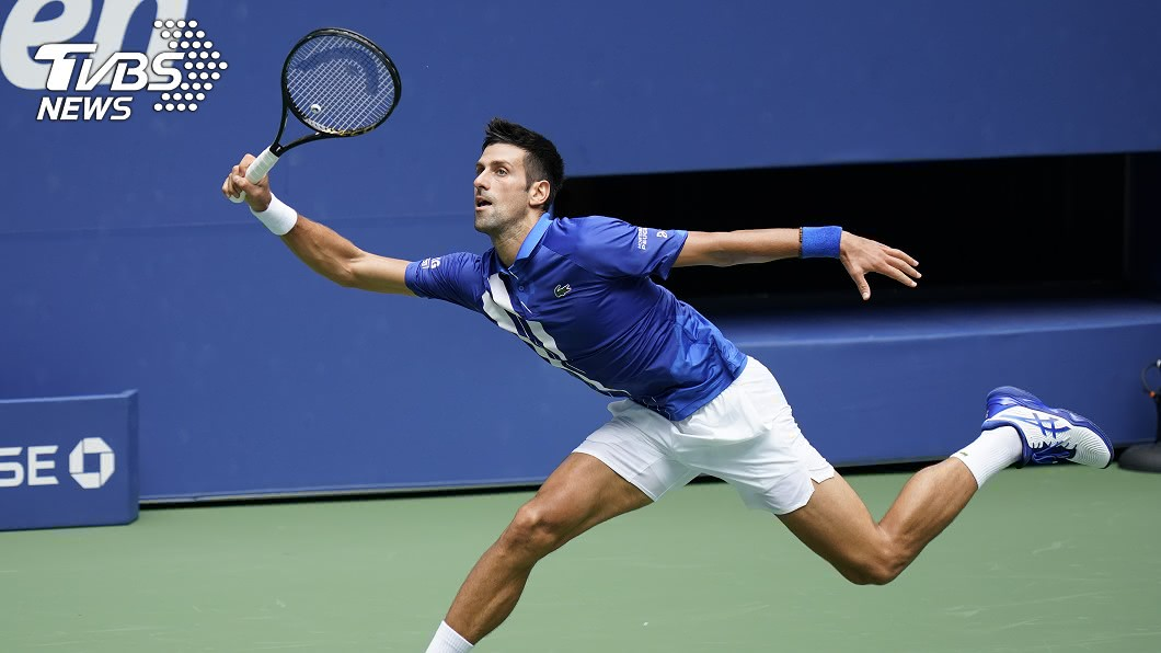 塞爾維亞男網選手喬科維奇成功晉級美網公開賽男單第3輪。(圖/達志影像美聯社) 美網喬科維奇後來居上 拍落艾德門晉第3輪