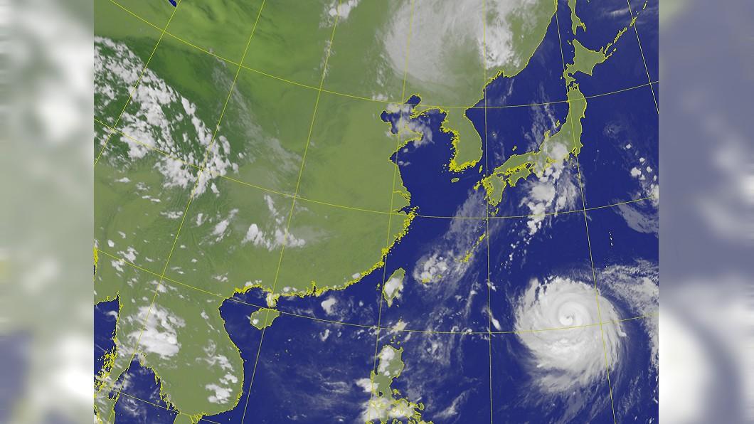 圖/中央氣象局 西太平洋出現雙颱共舞 正朝著日韓而去